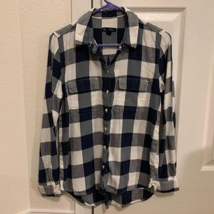 GAP Women's Boyfriend Fit x-small Plaid Shirt
